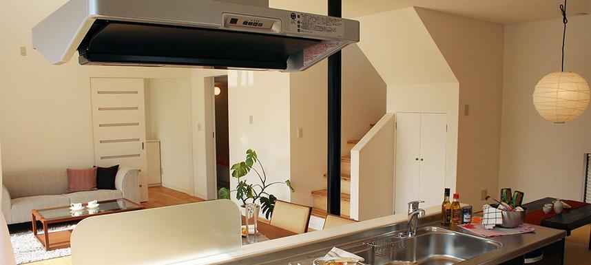 オープンキッチンの家にすることで暮らしの中でコミュニケーションを頻繁に